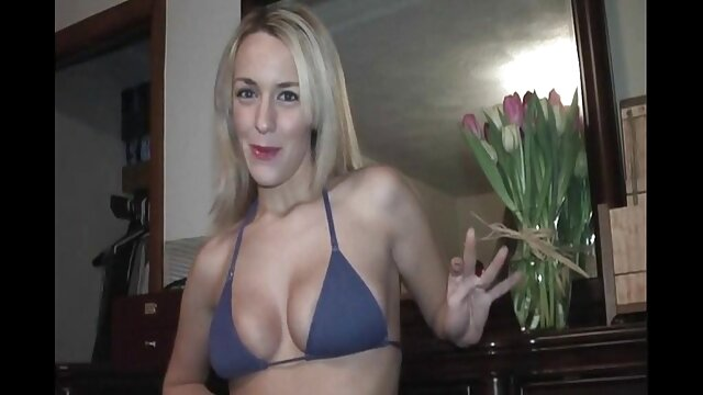 Elle filme x hd se tient un orgasme humide