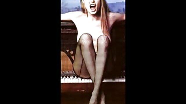 Baisée film hd x une beauté blonde