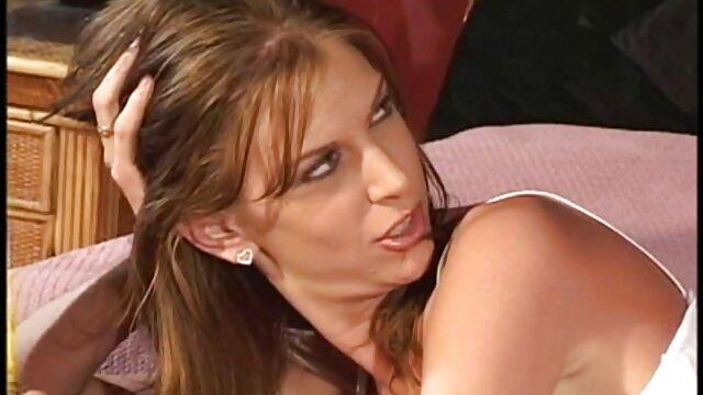 Scènes BDSM avec Beata la sirène attachée porno francais hd gratuit