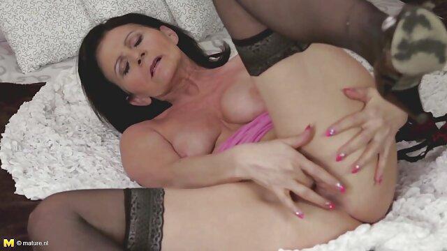 Sexe avec une star du porno sur la porno francais gratuit hd plage