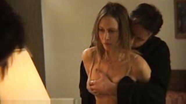 J'ai espionné ma soeur dans la salle de bain porno francais gratuit hd et l'ai baisée