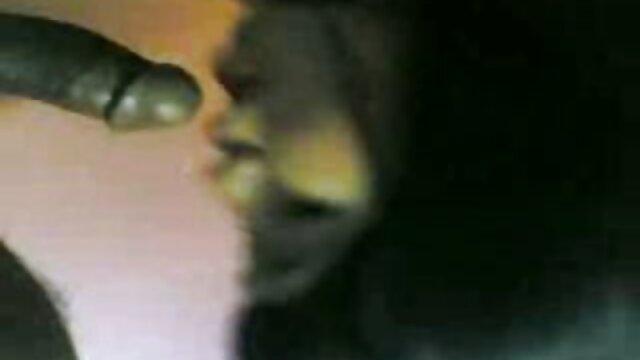 Angelina film porno gratuit hd Armani
