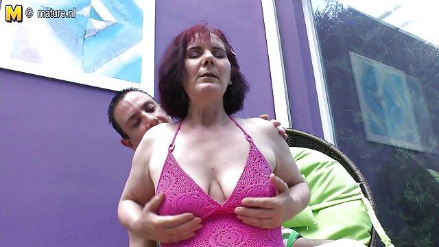 Maman et sa fille porno en hd gratuit se lèchent