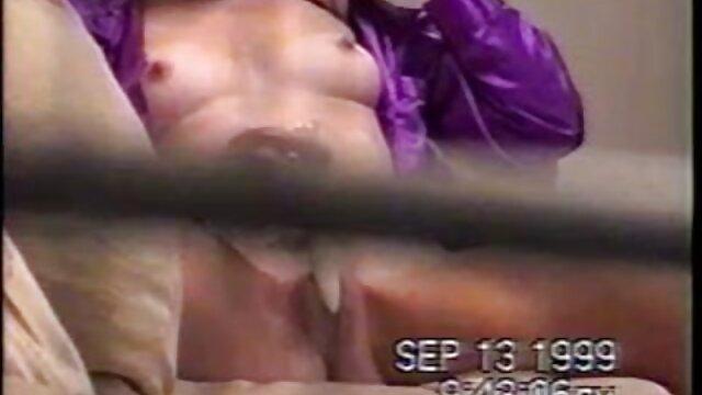 Sexe transsexuelle au bord de la piscine film hd x