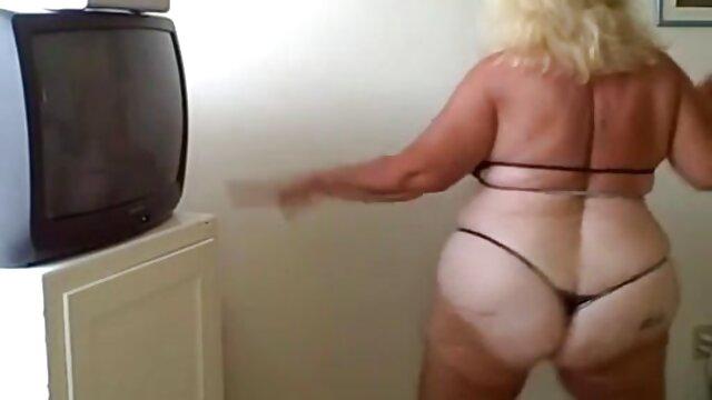 Poussin en bas se fait films porno hd gratuit baiser