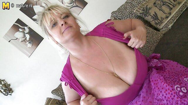 Fille se hd porno gratuit branle sur webcam