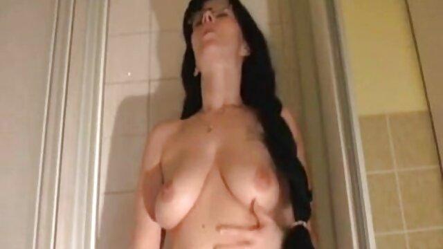 La fille écarte les cuisses film porno vf complet